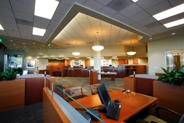 bank general contractor commercial